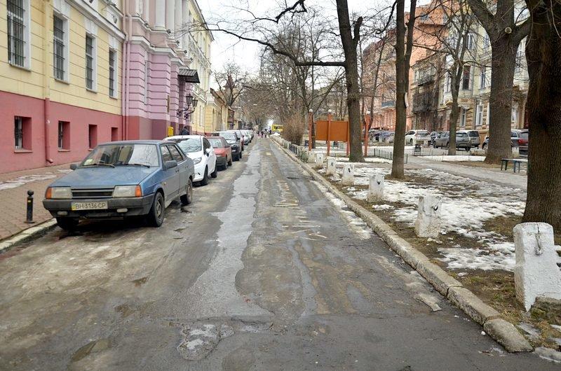 В центре Одессы коммунальщики забросили скверы (ФОТО), фото-7
