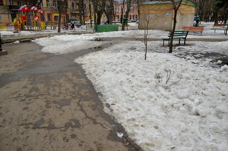 В центре Одессы коммунальщики забросили скверы (ФОТО), фото-11