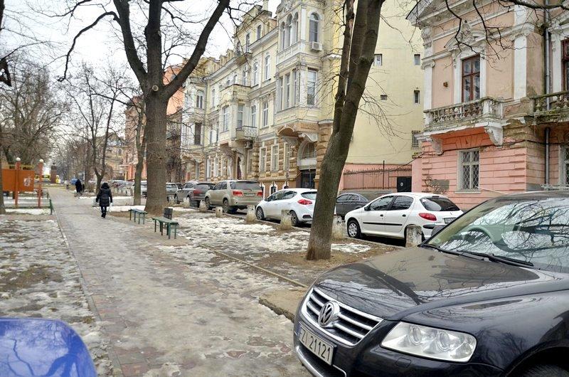 В центре Одессы коммунальщики забросили скверы (ФОТО), фото-5