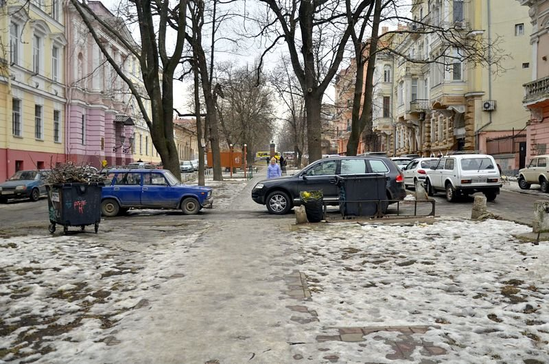 В центре Одессы коммунальщики забросили скверы (ФОТО), фото-3