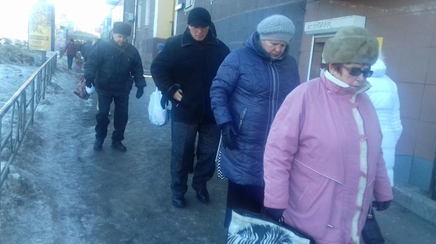Из-за непосыпанных тротуаров уже травмировались свыше трехсот криворожан (ФОТО), фото-1
