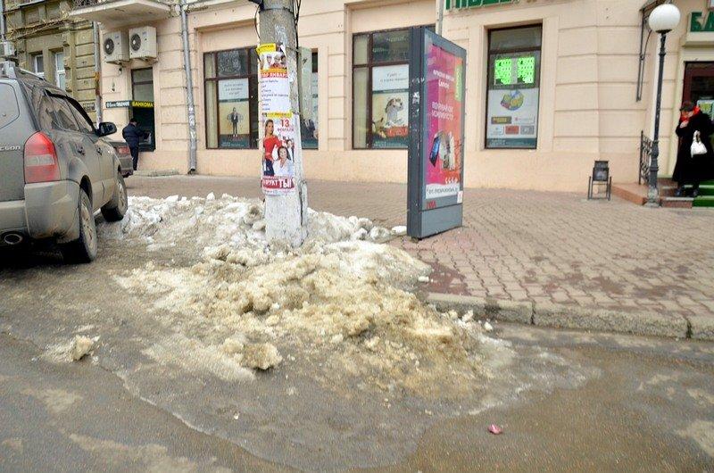 Дворники забросали дороги Одессы льдом (ФОТО), фото-3