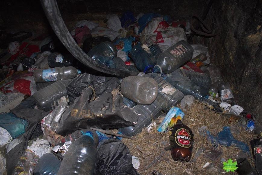 Внутри Потемкинской лестницы нашли гигантскую свалку и чьи-то кости (ФОТО), фото-11