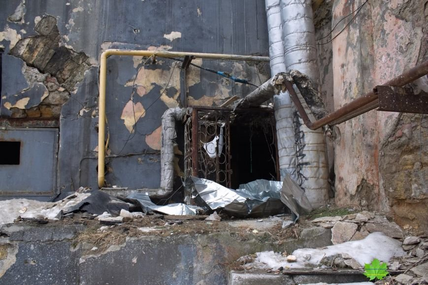 Внутри Потемкинской лестницы нашли гигантскую свалку и чьи-то кости (ФОТО), фото-8