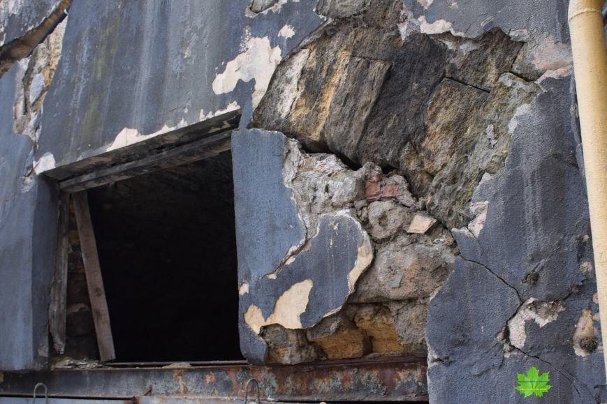 Внутри Потемкинской лестницы нашли гигантскую свалку и чьи-то кости (ФОТО), фото-1