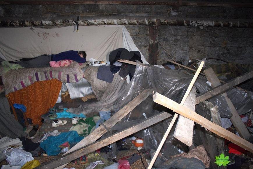 Внутри Потемкинской лестницы нашли гигантскую свалку и чьи-то кости (ФОТО), фото-7