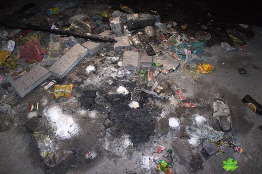 Внутри Потемкинской лестницы нашли гигантскую свалку и чьи-то кости (ФОТО), фото-13