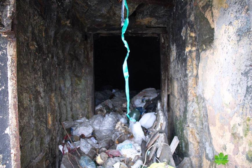Внутри Потемкинской лестницы нашли гигантскую свалку и чьи-то кости (ФОТО), фото-9