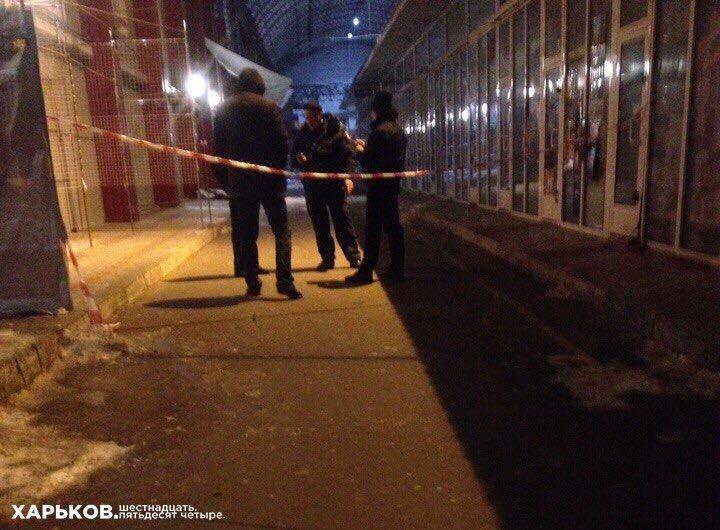На Барабашово альпинист сорвался с крыши торговой площадки и погиб (ФОТО), фото-2