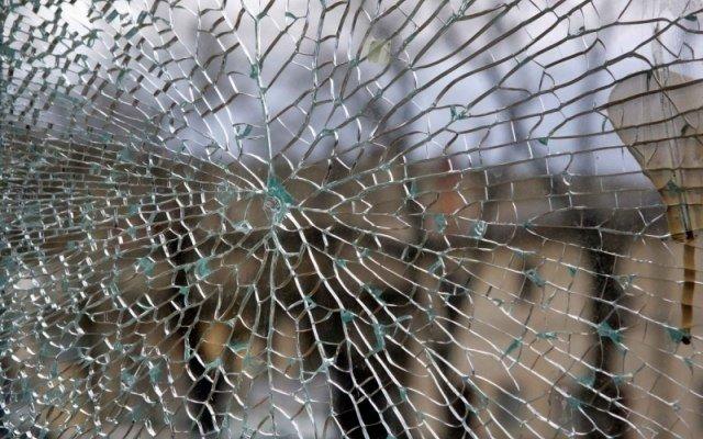 В Одессе на Молдаванке вандалы разбили вдребезги новую остановку (ФОТО), фото-3