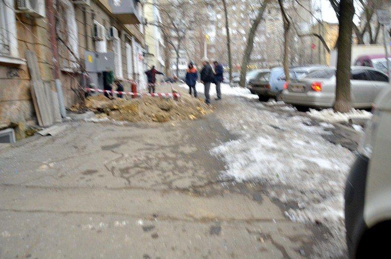 Улицы и тротуары Одессы остались покрыты льдом (ФОТО), фото-7