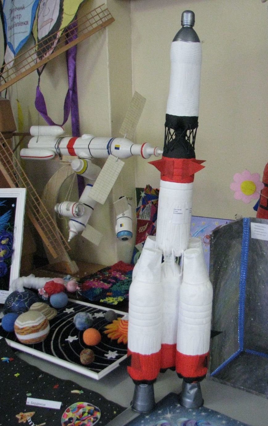 При поддержке благотворительного «Фонда добрых дел» в Центре «Грани» открылась выставка «Космические фантазии», фото-4