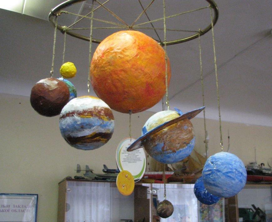 При поддержке благотворительного «Фонда добрых дел» в Центре «Грани» открылась выставка «Космические фантазии», фото-8