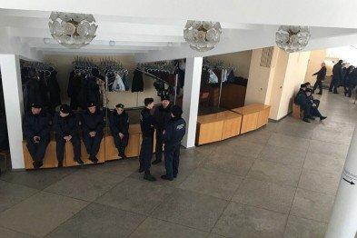 """В Кривом Роге: пропавшего мужчину нашли замерзшим, депутаты провалили обе петиции по """"муниципалам"""", зафиксировали вспышку африканской чумы, фото-3"""