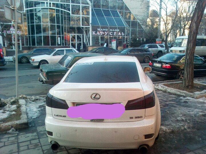 В центре Одессы заметили хамскую парковку машины с эмблемой ОБСЕ (ФОТО), фото-1