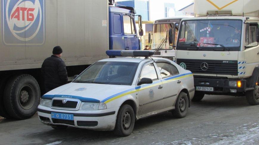 В нижней части Мелитополя затруднено движение маршруток (фото), фото-3