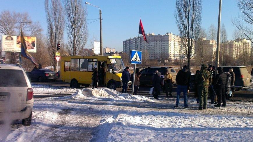 В Вишневом местные жители продолжают борьбу с повышением цен на проезд, протестное шествие продолжается: (ФОТО), фото-4