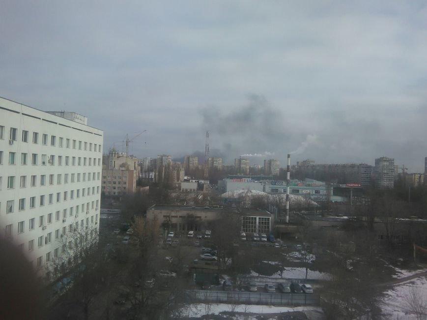 На въезде в Одессу крупный пожар - горят покрышки, фото-1