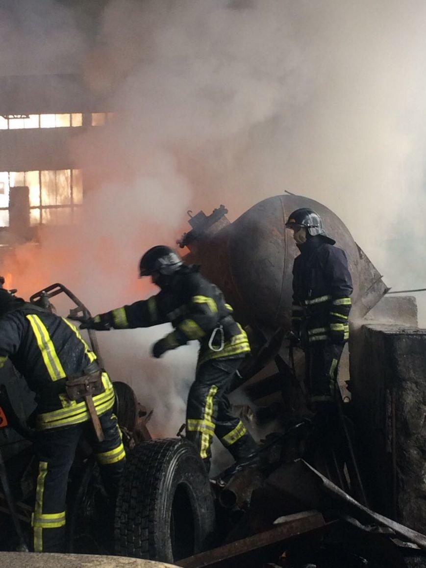 Спасателям удалось погасить масштабный пожар на въезде в Одессу (ФОТО), фото-6