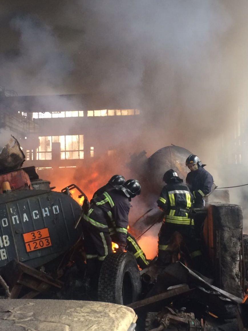 Спасателям удалось погасить масштабный пожар на въезде в Одессу (ФОТО), фото-2