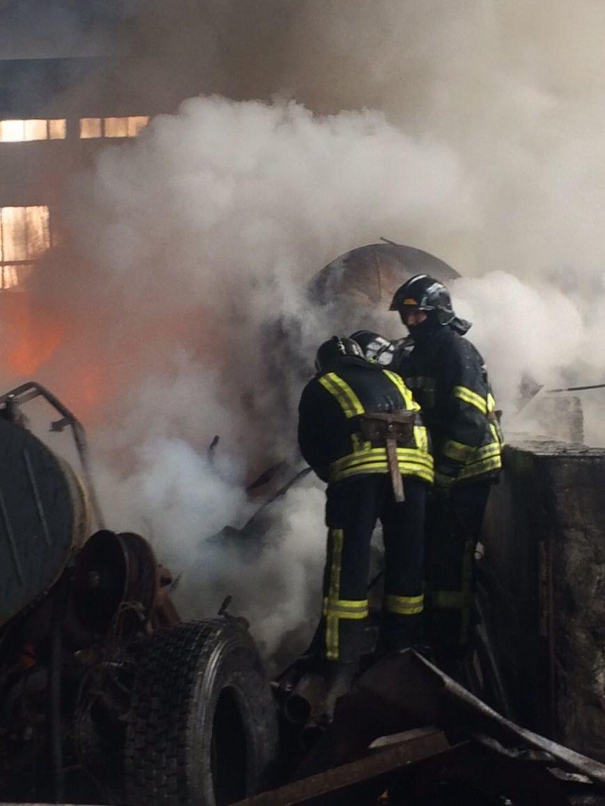 Спасателям удалось погасить масштабный пожар на въезде в Одессу (ФОТО), фото-5