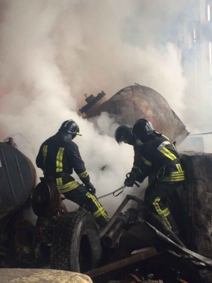 Спасателям удалось погасить масштабный пожар на въезде в Одессу (ФОТО), фото-4