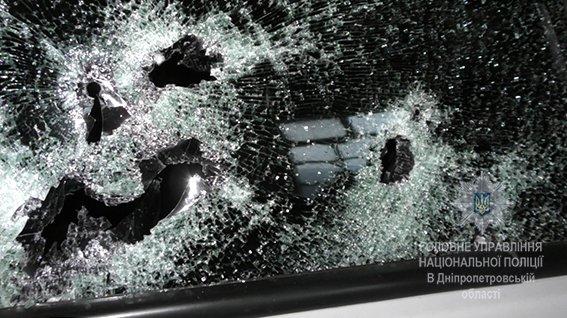 В Днепре неизвестные убили предпринимателя и ранили охранников (ФОТО), фото-1