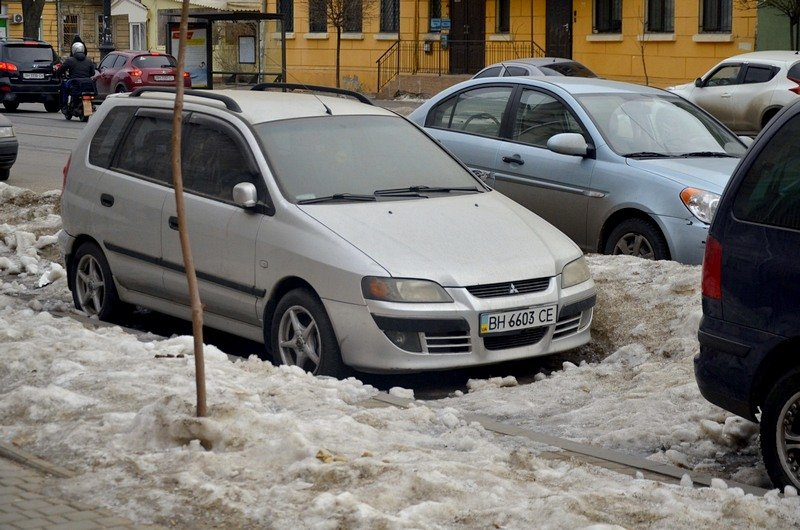 В Одессе сугробы «пленили» автомобили (ФОТО), фото-5