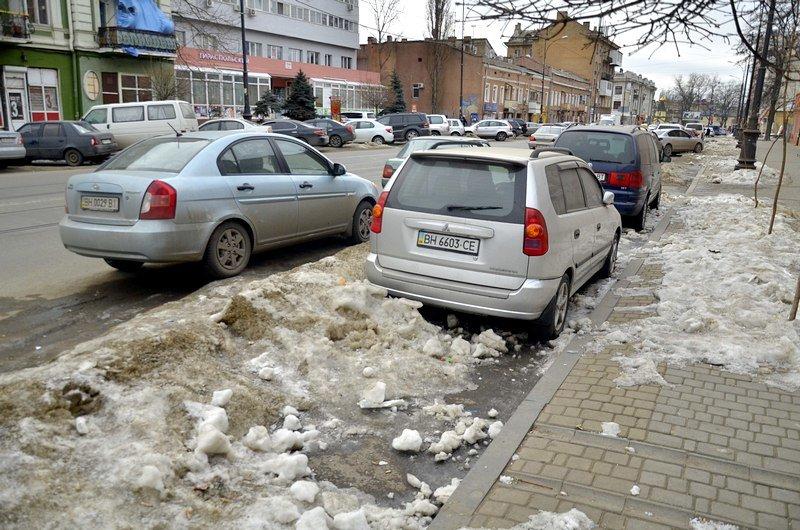 В Одессе сугробы «пленили» автомобили (ФОТО), фото-3