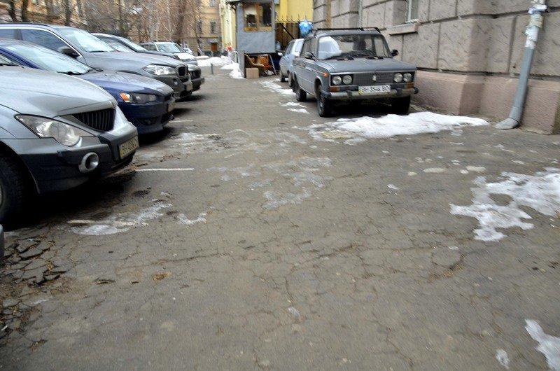 В центре Одессы остались горы снега, а на рынке не убирают (ФОТО), фото-16