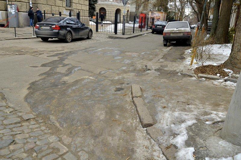 В центре Одессы остались горы снега, а на рынке не убирают (ФОТО), фото-12