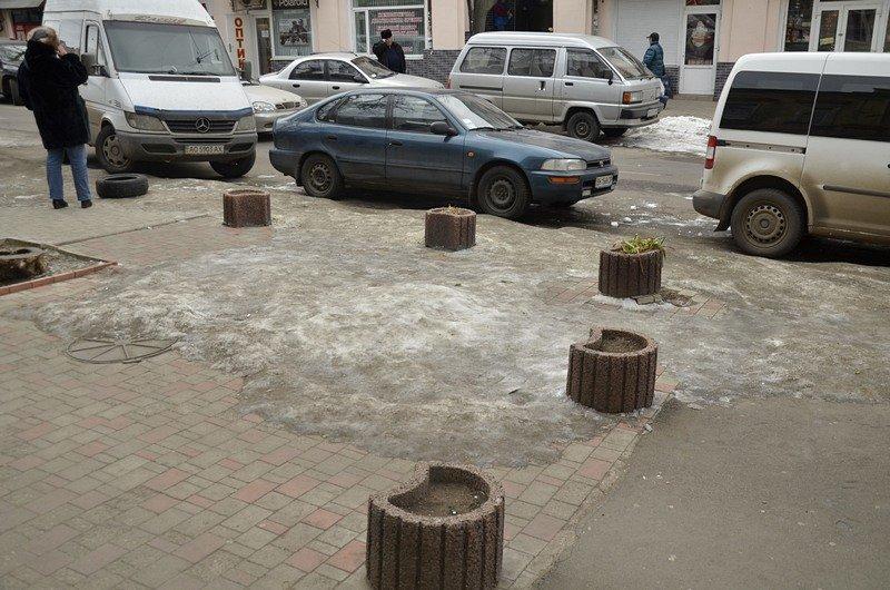 В центре Одессы остались горы снега, а на рынке не убирают (ФОТО), фото-43