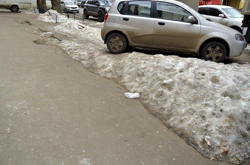 В центре Одессы остались горы снега, а на рынке не убирают (ФОТО), фото-33