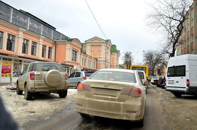 В центре Одессы остались горы снега, а на рынке не убирают (ФОТО), фото-26