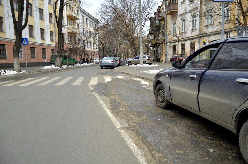 В центре Одессы остались горы снега, а на рынке не убирают (ФОТО), фото-3