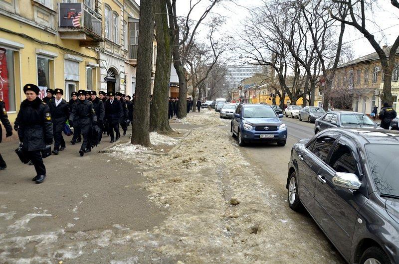 В центре Одессы остались горы снега, а на рынке не убирают (ФОТО), фото-21