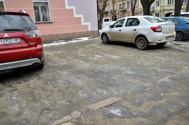 В центре Одессы остались горы снега, а на рынке не убирают (ФОТО), фото-35