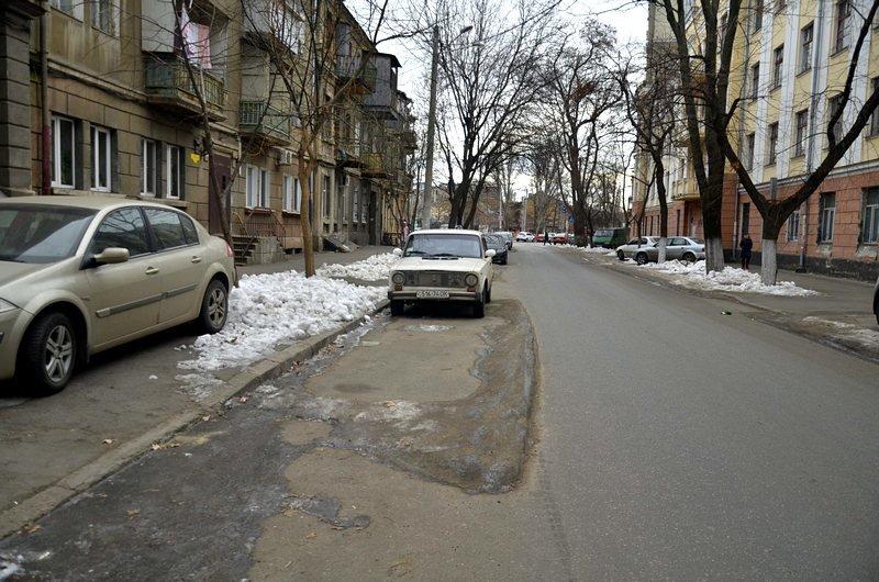 В центре Одессы остались горы снега, а на рынке не убирают (ФОТО), фото-4