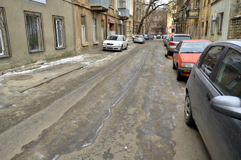 В центре Одессы остались горы снега, а на рынке не убирают (ФОТО), фото-9