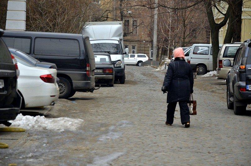 В центре Одессы остались горы снега, а на рынке не убирают (ФОТО), фото-13