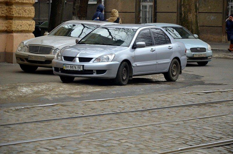 В центре Одессы остались горы снега, а на рынке не убирают (ФОТО), фото-6