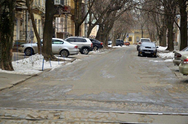 В центре Одессы остались горы снега, а на рынке не убирают (ФОТО), фото-5