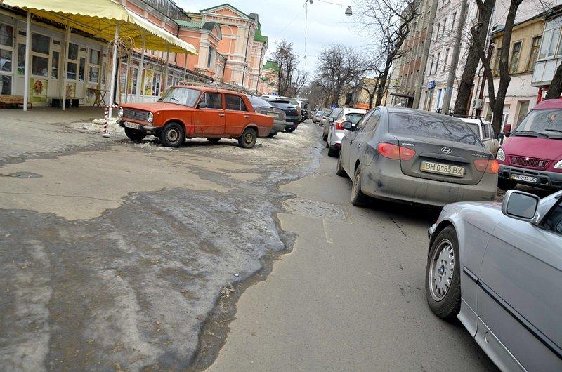 В центре Одессы остались горы снега, а на рынке не убирают (ФОТО), фото-52