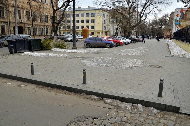 В центре Одессы остались горы снега, а на рынке не убирают (ФОТО), фото-18