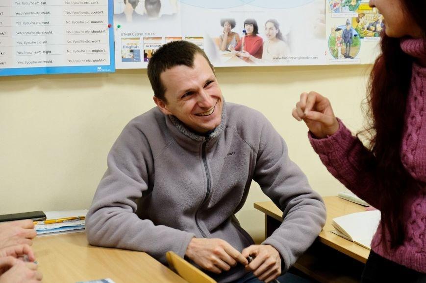 4 Атовець Євген Кожевніков вже перейшов на новий рівень англійської.