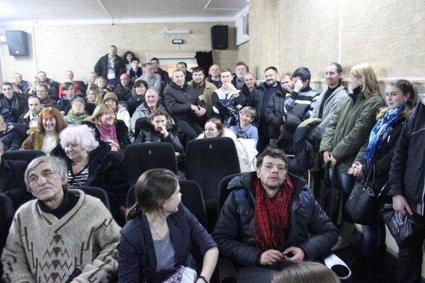 В кинотеатре Довженко с аншлагом презентовали фильм о разгоне запорожского Майдана, - ФОТОРЕПОРТАЖ, фото-21