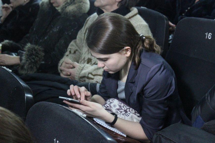 В кинотеатре Довженко с аншлагом презентовали фильм о разгоне запорожского Майдана, - ФОТОРЕПОРТАЖ, фото-4