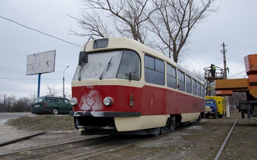 На мариупольских дорогах появились чешские трамваи (ФОТО), фото-1