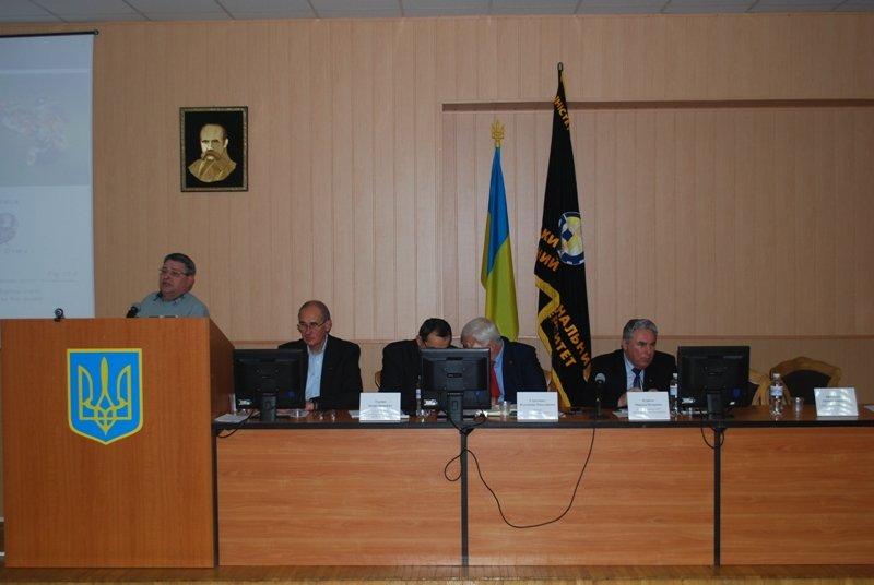 Пчеловоды со всей Украины собрались в СНАУ, фото-1
