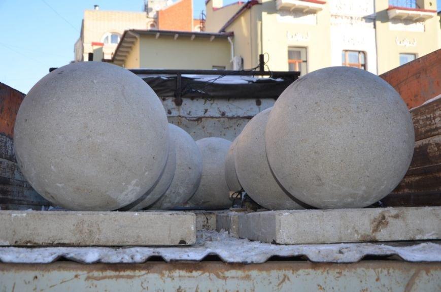 Декоративные шары снова украсят пешеходную зону, фото-1